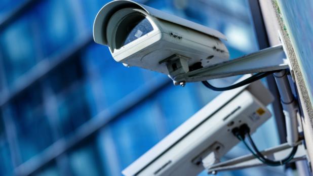 Как установить и подключить систему охранного телевидения